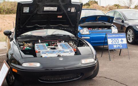 展示されていた電気自動車(solar day)