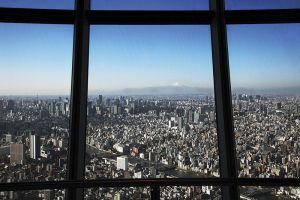 天望デッキフロア350から眺める富士山。空気が澄んでいる冬のほうが、よく見える