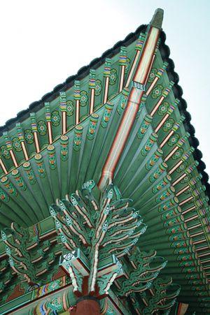 美しい屋根の装飾
