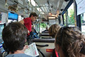 高野山のバスの車内は外国人だらけ