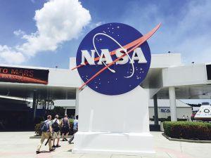 ケネディ宇宙センターの入り口