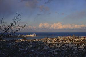 神倉神社から新宮の街並みと遥か太平洋を眺める