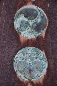 寺紋は五三桐紋と三つ巴紋