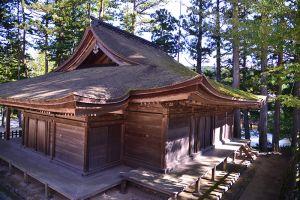 金剛峯寺不動堂。鎌倉時代前期の建久8年(1197年)、鳥羽天皇の皇女である八條女院(はちじょうにょいん)こと暲子(あきこ)内親王の発願によって建立されたと伝わっている