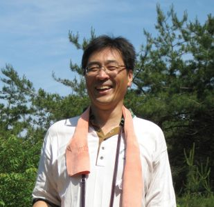 南山の専門家としてディスカバリーチャンネルに登場したこともあるクリントさん。西部劇が大好きで、名前は憧れのイーストウッドにちなむ。父親のマサオさんは戦前に京都から渡った日本人で、旅館を営む
