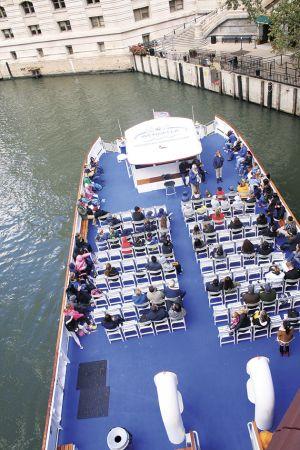 観光用のボート