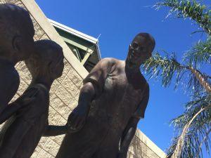 ジャッキー・ロビンソンの銅像