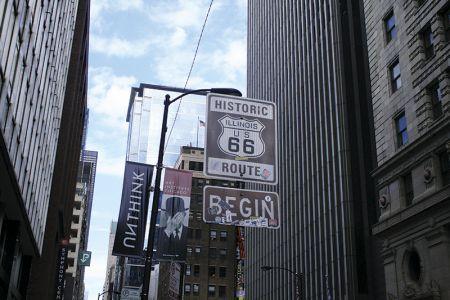 あった! 「ルート66」の出発点のオリジナル標識