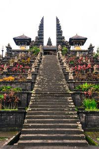 バリ・ヒンドゥーの総本山ブサキ寺院