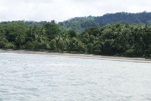 のんびりしたドミニカルの海岸