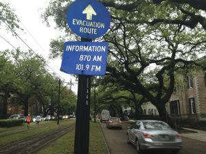 ハリケーンが襲ったときの避難経路を示す標識