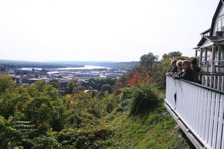 ケーブルカーの終点、丘の上からの眺め