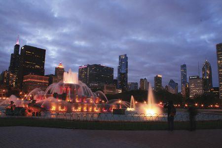 シカゴで一番ロマンチックな場所といわれるバッキンガム噴水