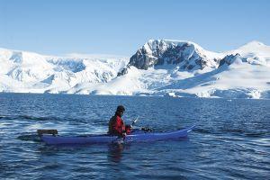 カヤックで南極を探検=4日目