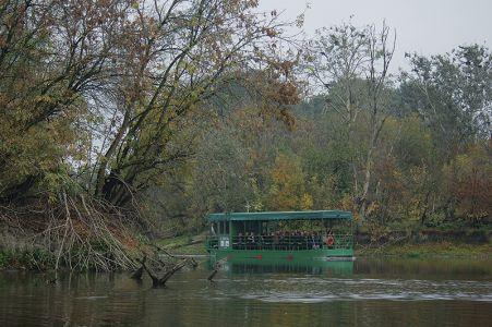 ボートで回るコパチキリ自然公園