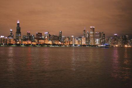 ミシガン湖畔から撮った「素人夜景」。ポストカードのようにはいかないけれど、自分で撮るからいい思い出になる