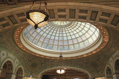 ティファニーのステンドグラスのドーム天井