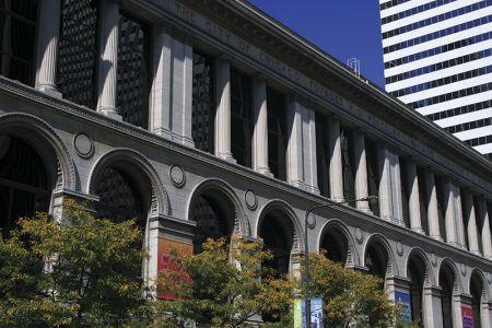 歴史を感じさせる、文化センターの建物