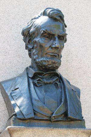 リンカーンの胸像