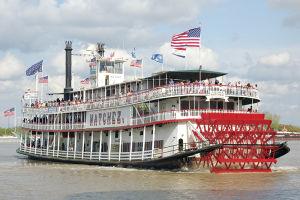 ミシシッピ川を進む蒸気船「ナッチェズ」