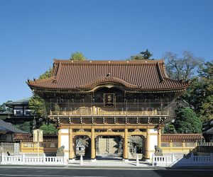 成田山 新勝寺の正門(提供写真)
