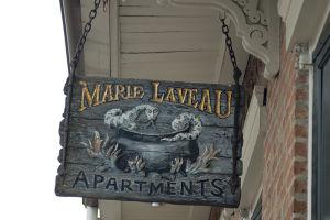 フレンチ・クオーターでは、ブードゥーの司祭マリー・ラボーの名をよく見かける