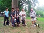 「犬を学ぼう!」リード歩行練習に参加してくれたみなさんと愛犬たち Photo © Maho Teraguchi