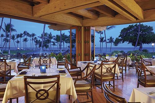 カヌーハウスの店内 Courtesy of Mauna Lani Bay Hotel & Bungalows