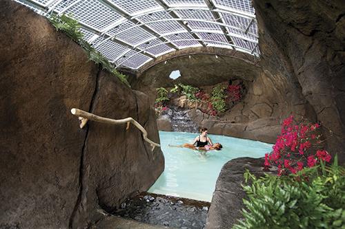 スパで行う「watsu」 Courtesy of Mauna Lani Bay Hotel & Bungalows