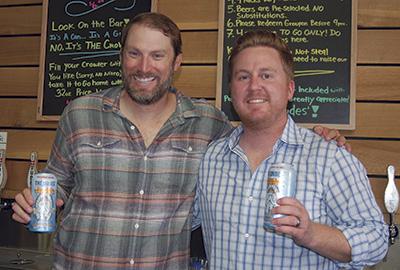 スコット・ショーさん(右)と、トビー・ヒュムスさん Photo © Mirei Sato