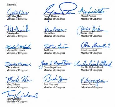 カマラ・ハリス州司法長官あての陳情書面に署名した連邦下院議員16人のサイン Photo © Mirei Sato