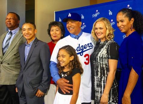 監督就任記者会見で、家族そろってドジャースのファンにお披露目 Photo © Mirei Sato