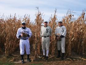 左から、ハンク・ルーカスさん、フランク・ダーディスさん、マーブ・マイヤーズさん Photo © Mirei Sato