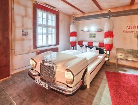 Themed Room Car Wash - V8 Hotel im Meilenwerk Stuttgart