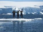 流氷の上で、ジャンプ!=4日目 Photo © Mirei Sato