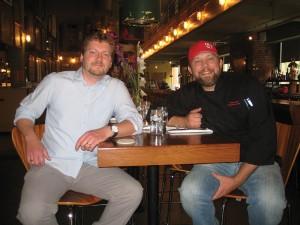 ルースターのオーナー、デーブ・ベイリーさん(左)と、エグゼクティブ・シェフのピーター・クラークさんPhoto © Mirei Sato