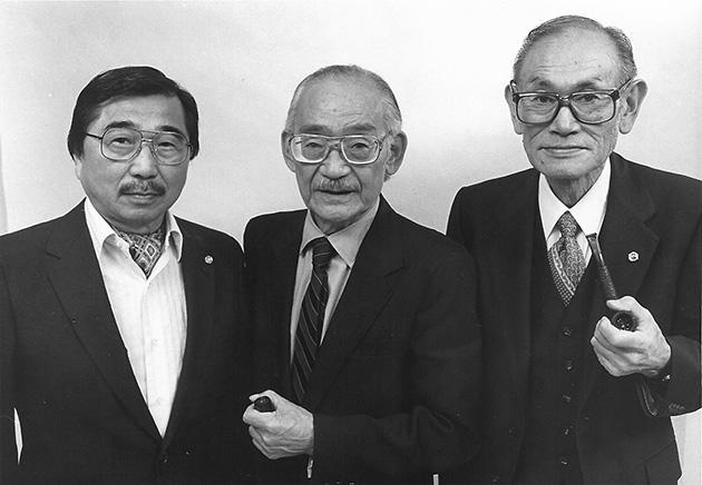 少数ながら、強制収容を拒否し法廷で争った日系人は他にもいた。ゴードン・ヒラバヤシ(左、2012年1月死去)、ミノル・ヤスイ(中、1984年死去)の両氏。大学卒で法律の知識が豊富だった2人に比べ、労働者階級のコレマツ氏(右)の勇気は、補償請求運動の過程で多くの人の共感を呼んだ Photo Property of Farallon Films, Permission Granted by the Korematsu Institute