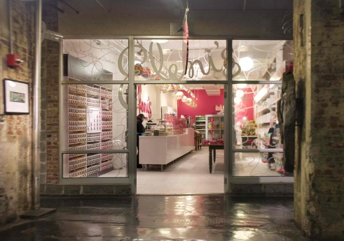 チェルシー・マーケットの店舗 Courtesy of Eleni's New York