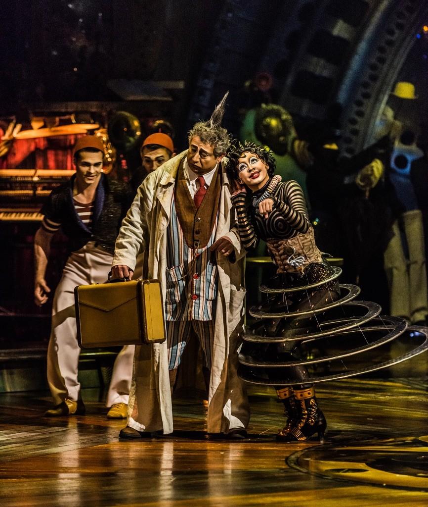 Photos: Martin Girard / shootstudio.ca Costumes: Philippe Guillotel ©2014 Cirque du Soleil