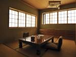 秘湯の宿の簡素な客室 Photo © Nobutoshi Mizushima