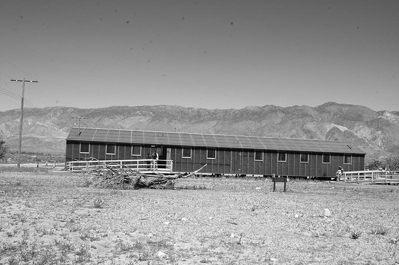 再現されたバラック小屋 Photo © Mirei Sato