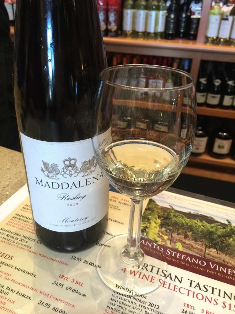 2代目オーナーで、93歳の今も現役バリバリのマダレーナさんの名前がついたワイン Photo © Mirei Sato