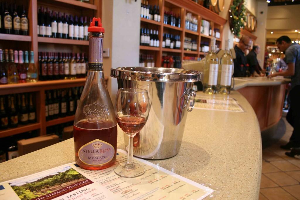 テイスティングでは、カリフォルニアワインがひととおり味わえる Photo © Mirei Sato