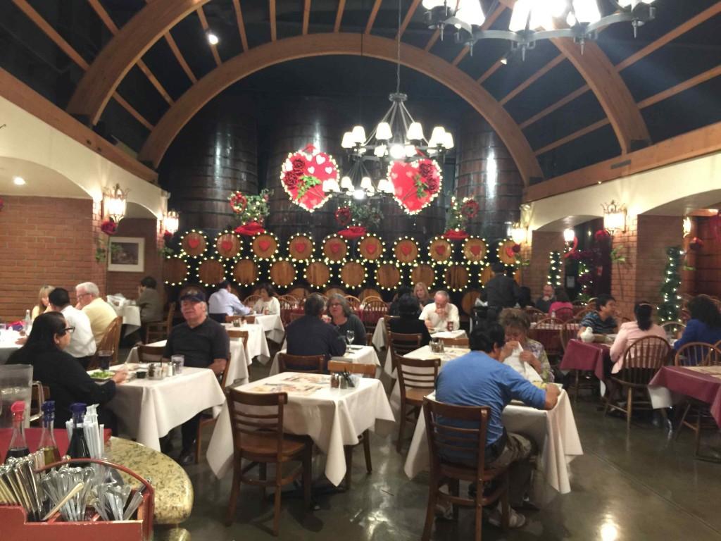 ヨーロッパの村のような雰囲気のレストラン Photo © Mirei Sato