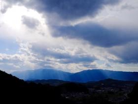 大和独特の太陽の光が織りなすレンブラント現象 Photo © Naonori Kohira