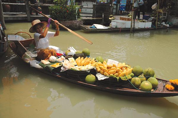 川のそばに栄え、「水の都」とも呼ばれたバンコク。今は、観光地化した水上マーケットばかりが残るPhoto © Mirei Sato
