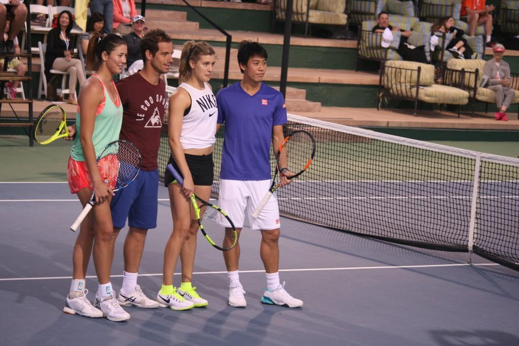 (左から)ムグルサ、ガスケ、ブシャールとともに、チャリティーイベントに参加する錦織選手=3月8日、Omni Rancho Las Palmasで Photo © Mirei Sato
