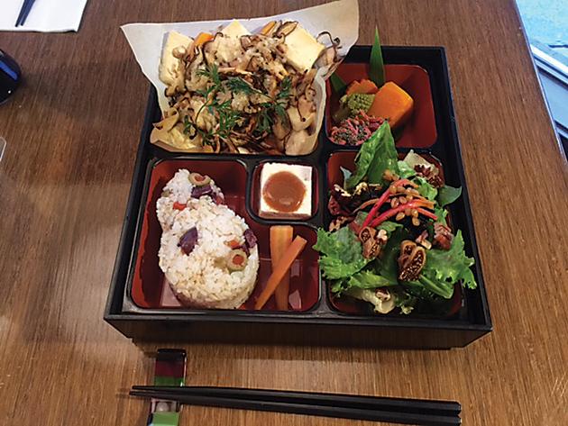 お弁当には、ポートランド産の野菜もたっぷり Photo © Michiko Ono Amsden