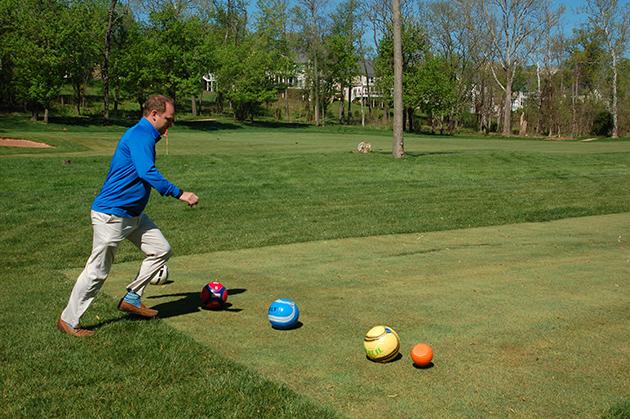 「Lansdowne Resort」のゴルフ場では、最近人気のフットゴルフが楽しめる Photo © Mirei Sato