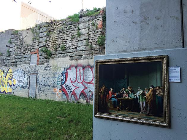 屋外に名画のレプリカを展示する人気の企画「Inside/ Out DIA」 Photo © Mirei Sato